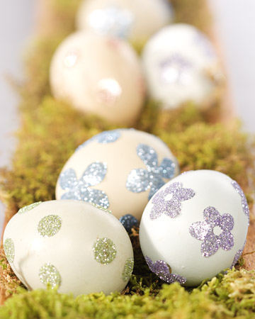 Eggcellent!  Borrow Gorgeously Decorated Easter Eggs For Wedding Decor