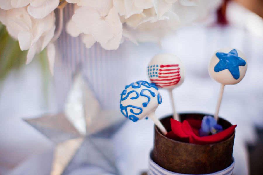 4th of July Inspired Wedding Brought by Camellia Wedding Flowers and Siegel Thurston Photography