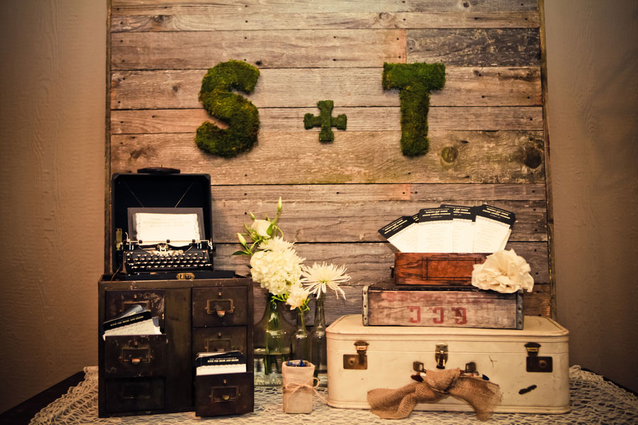 Tamara & Steve Burlap & Lace Themed Vintage DIY Wedding Heather Lynn Photographie