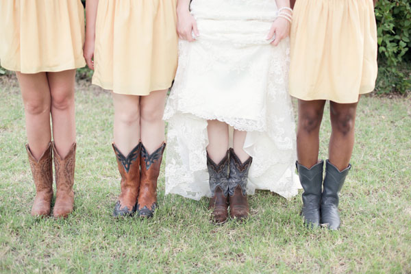 Audra_Kendal_Rustic_Country_DIY_Wedding_Larissa_Nicole_Photography_9