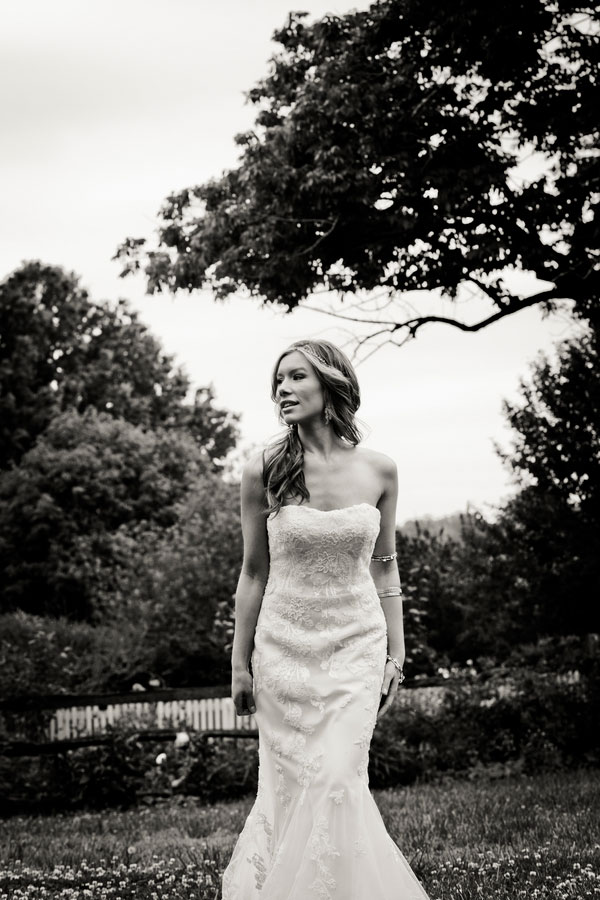 Bryn_Josh_Bohemian_Wedding_Old_Salem_Museums _and_Gardens_Aura_Marzouk_Photography_18