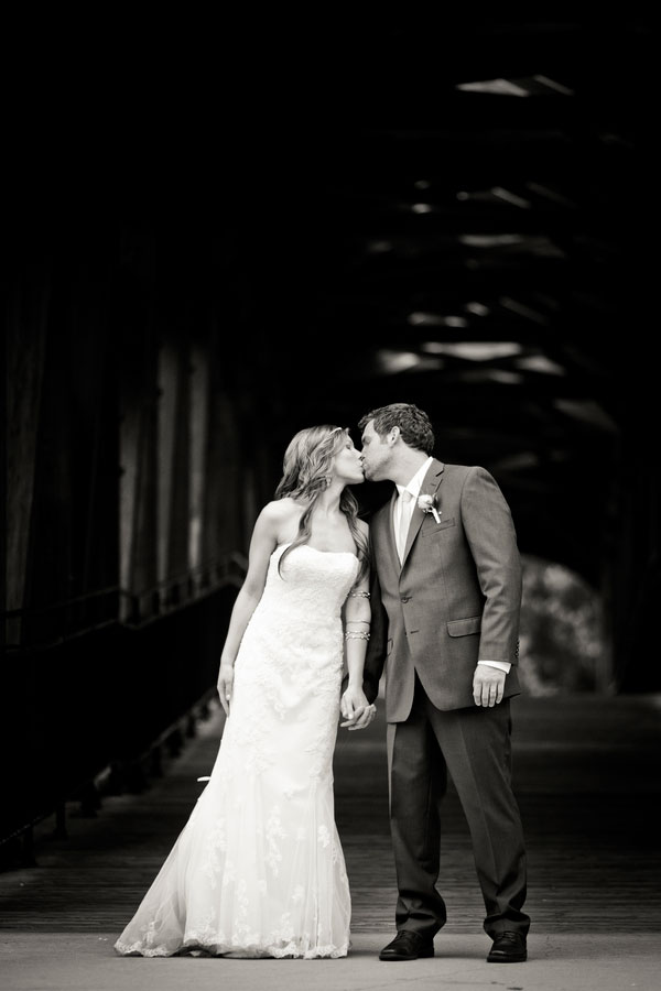 Bryn_Josh_Bohemian_Wedding_Old_Salem_Museums _and_Gardens_Aura_Marzouk_Photography_26
