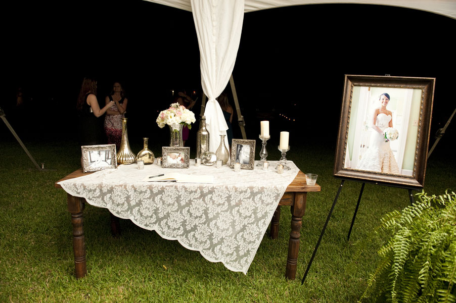 Courtney_Whitney_Runnymede_Plantation_Mercury_Glass_Wedding_Reese_Moore_Weddings_34
