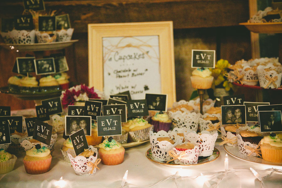 Vintage_Hipster_Barn_Wedding_Hoosier_Grove_Barn_Estanislao_Photography_22