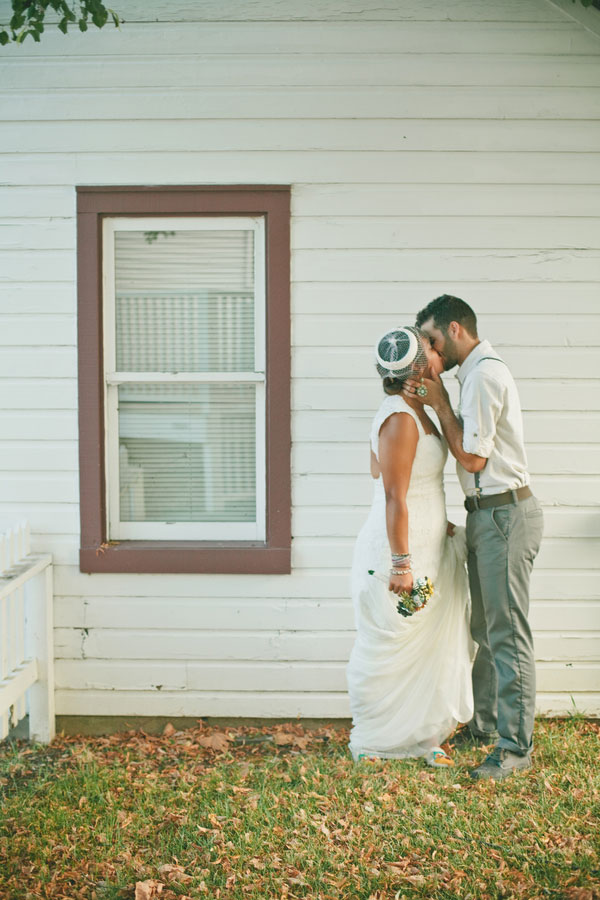 Vintage_Hipster_Barn_Wedding_Hoosier_Grove_Barn_Estanislao_Photography_24