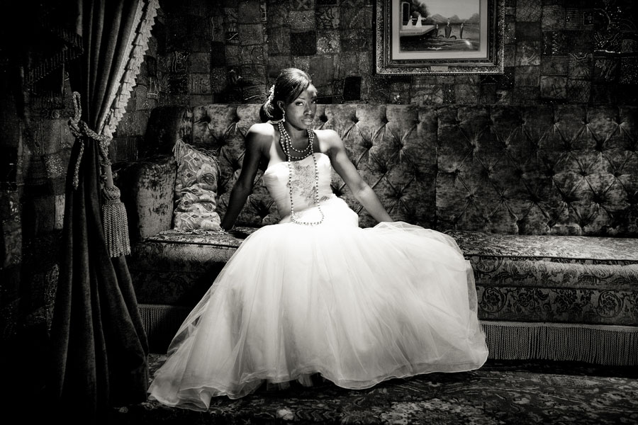 Bridal Glam In 5 Elegant & Sophisticated Looks Captured On The House Of Blues Stage | Photograph by Esvy Photography