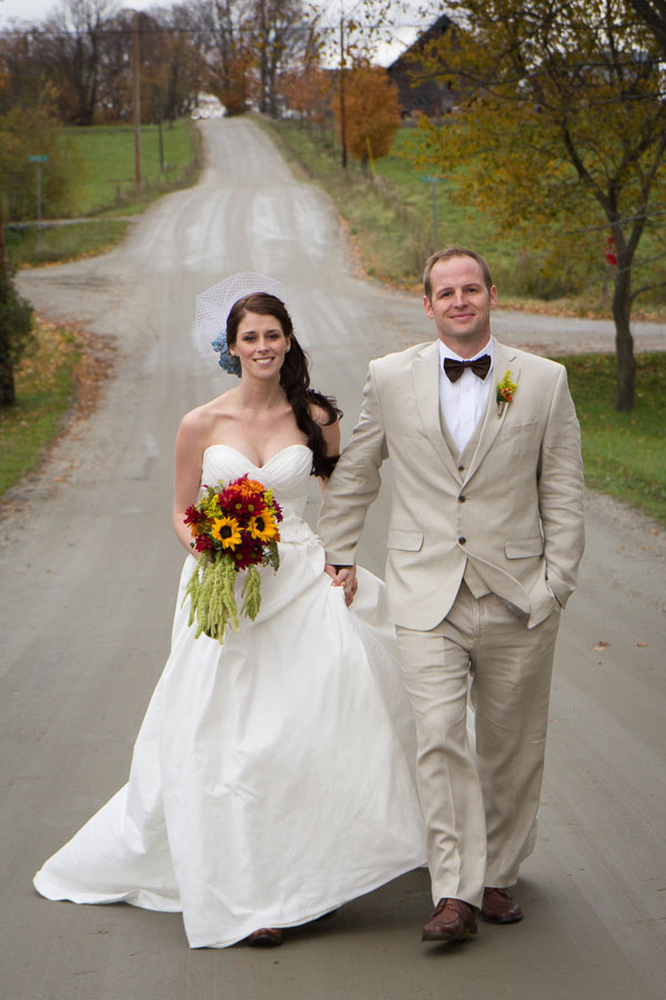 Vermont_Fall_Foliage_Wedding_Skinner_Barn_Sarah_Cocina_Photography_10
