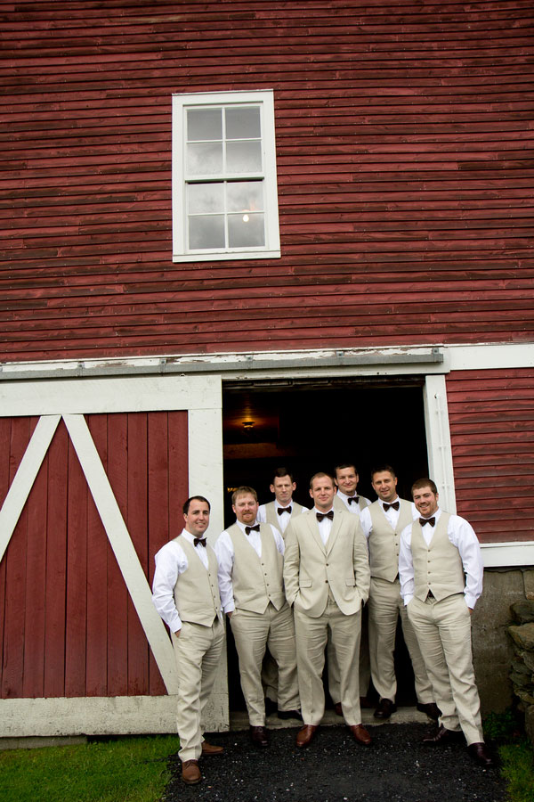 Vermont_Fall_Foliage_Wedding_Skinner_Barn_Sarah_Cocina_Photography_12