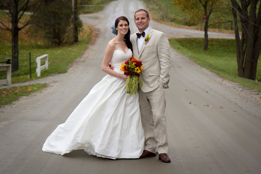 Vermont_Fall_Foliage_Wedding_Skinner_Barn_Sarah_Cocina_Photography_13