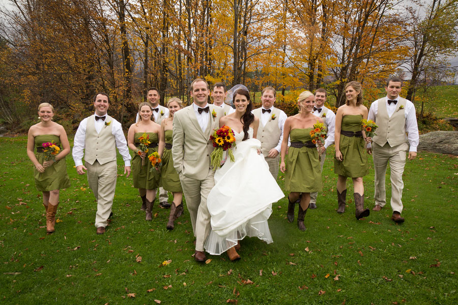 Vermont_Fall_Foliage_Wedding_Skinner_Barn_Sarah_Cocina_Photography_15