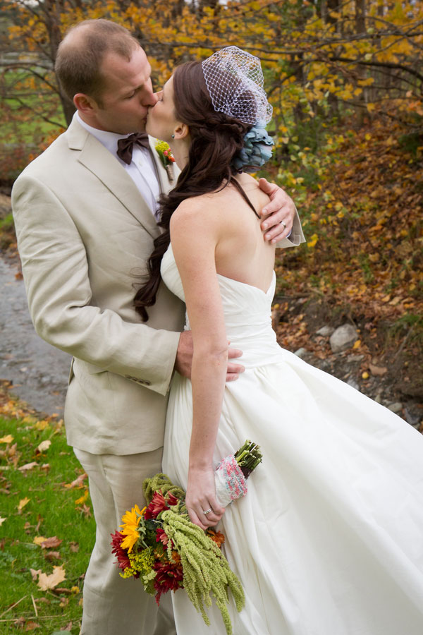 Vermont_Fall_Foliage_Wedding_Skinner_Barn_Sarah_Cocina_Photography_16