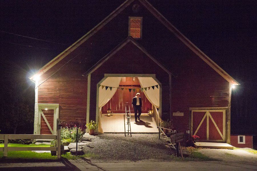 Vermont_Fall_Foliage_Wedding_Skinner_Barn_Sarah_Cocina_Photography_18