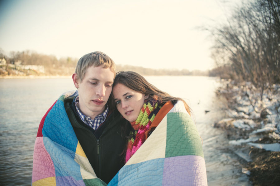 Elizabeth_Jonathan_Wrapped_Up_In_Love_Outdoor_Winter_Engagement_Session_Bleu_In_Love_Photography_1