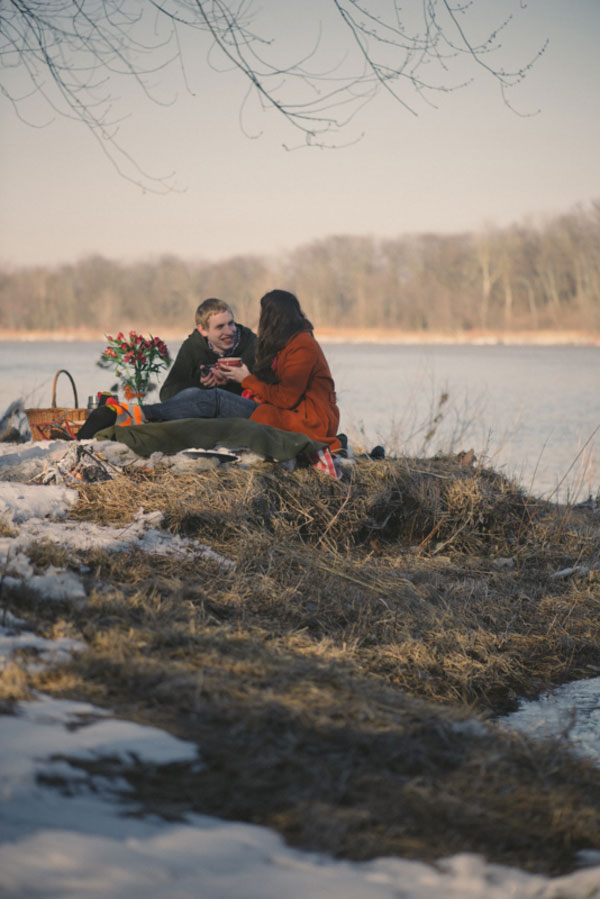 Elizabeth_Jonathan_Wrapped_Up_In_Love_Outdoor_Winter_Engagement_Session_Bleu_In_Love_Photography_18