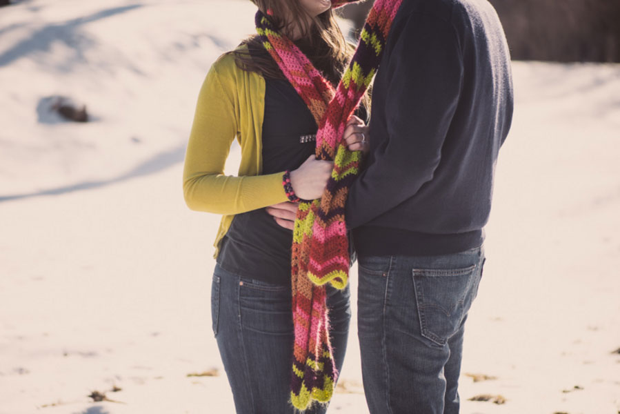 Elizabeth_Jonathan_Wrapped_Up_In_Love_Outdoor_Winter_Engagement_Session_Bleu_In_Love_Photography_3