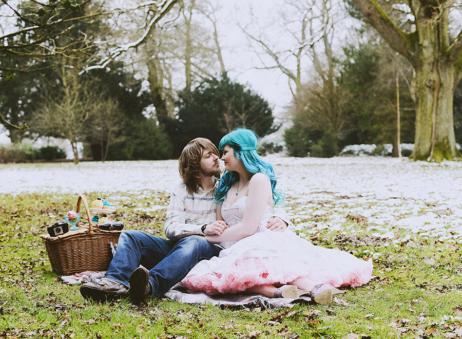 Romantic_Renaissance_Inspired_OffBeat_Engagement_Session_Katie_Drouet_Photography_2-h