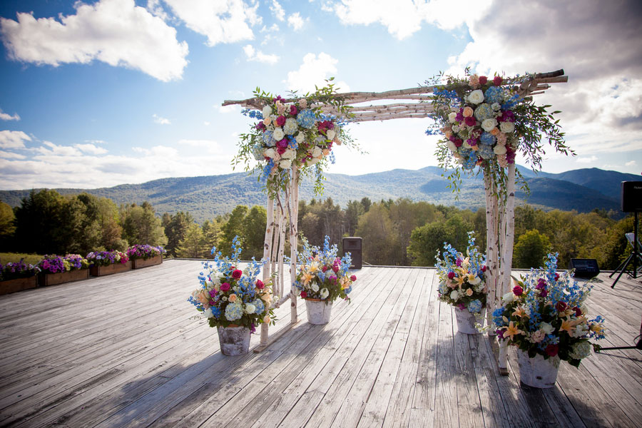Sarah_Chris_Trapp_Family_Lodge_Wedding_Stowe_Vermont_Kathleen_Landwehrle_Photography_1
