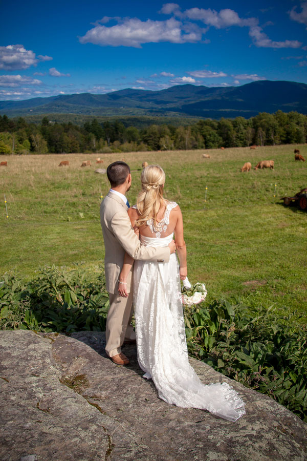 Sarah_Chris_Trapp_Family_Lodge_Wedding_Stowe_Vermont_Kathleen_Landwehrle_Photography_12