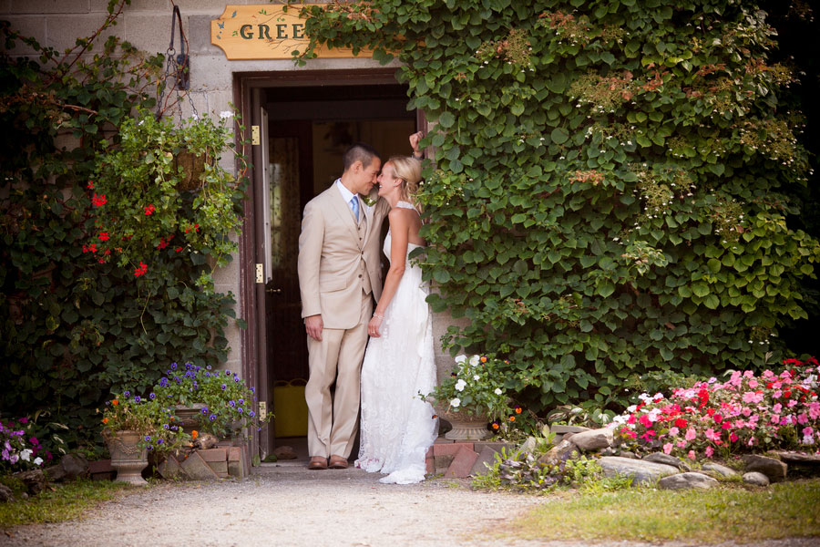 Sarah_Chris_Trapp_Family_Lodge_Wedding_Stowe_Vermont_Kathleen_Landwehrle_Photography_32