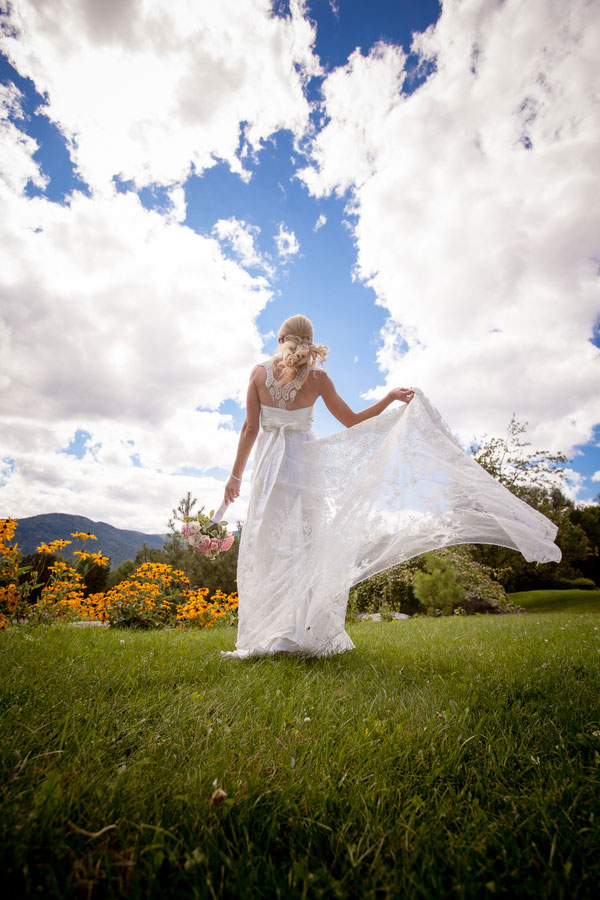 Sarah_Chris_Trapp_Family_Lodge_Wedding_Stowe_Vermont_Kathleen_Landwehrle_Photography_5