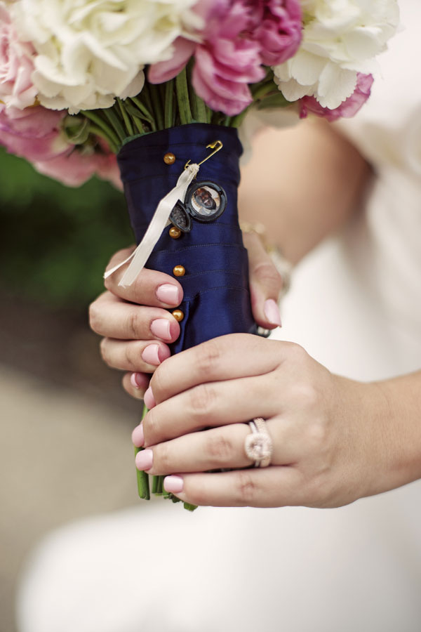 Sarah_Isaiah_Vintage_Shabby_Chic_Minneapolis_Wedding_Snap_Grin_Photography_32