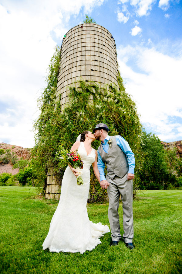 Nicole_Fred_Music_Festival_Inspired_Wedding_Planet_BlueGrass_Wedding_Elevate_Photography_14