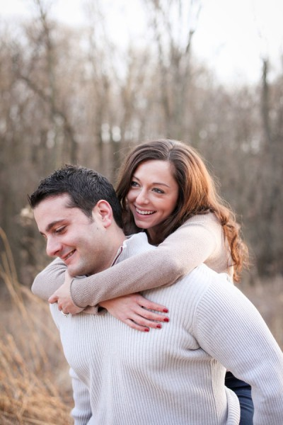 Stefanie_Alan_Puppy_Z_Winter_Wooded_Engagement_Photos_Blue_Mason_Photography_2