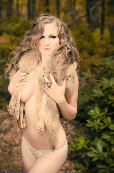 Vintage_Earthy_Boudoir_Serena_Star_Photography_10