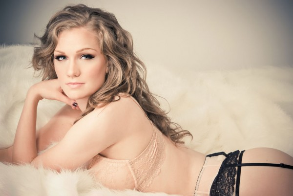 Vintage_Earthy_Boudoir_Serena_Star_Photography_11