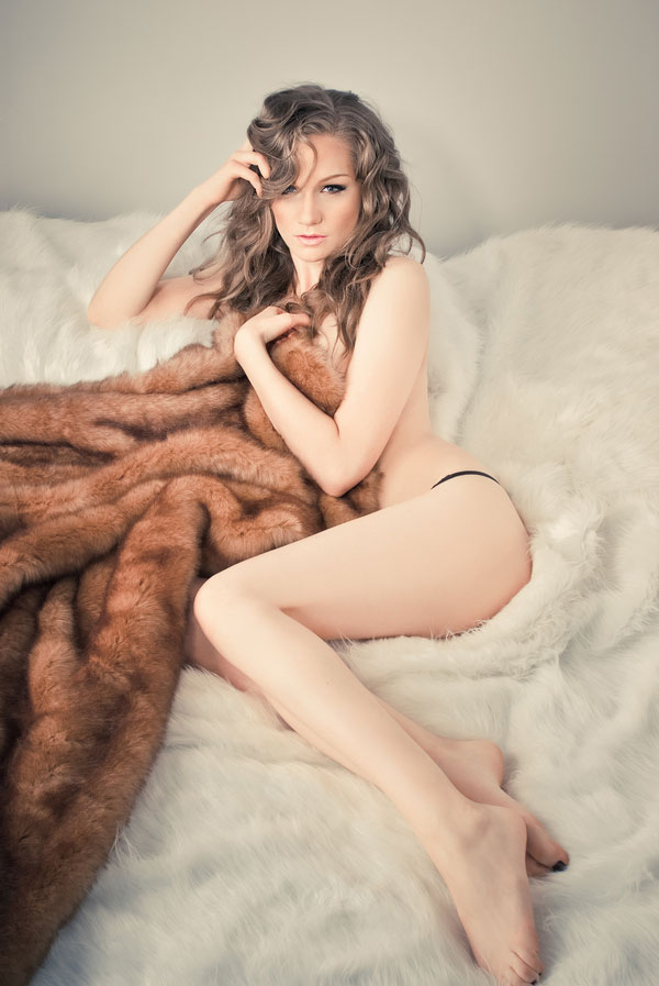 Vintage_Earthy_Boudoir_Serena_Star_Photography_12