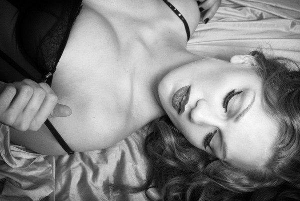 Vintage_Earthy_Boudoir_Serena_Star_Photography_8