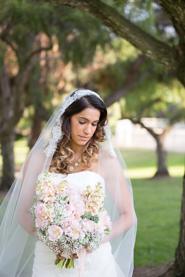 Bohemian_Bride_Styled_Floral_Wedding_Valentina_Glidden_Photography_6