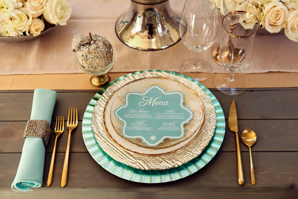 Why It Works Wednesday: Mint And Gold Place Setting With Texture & Shape At Play