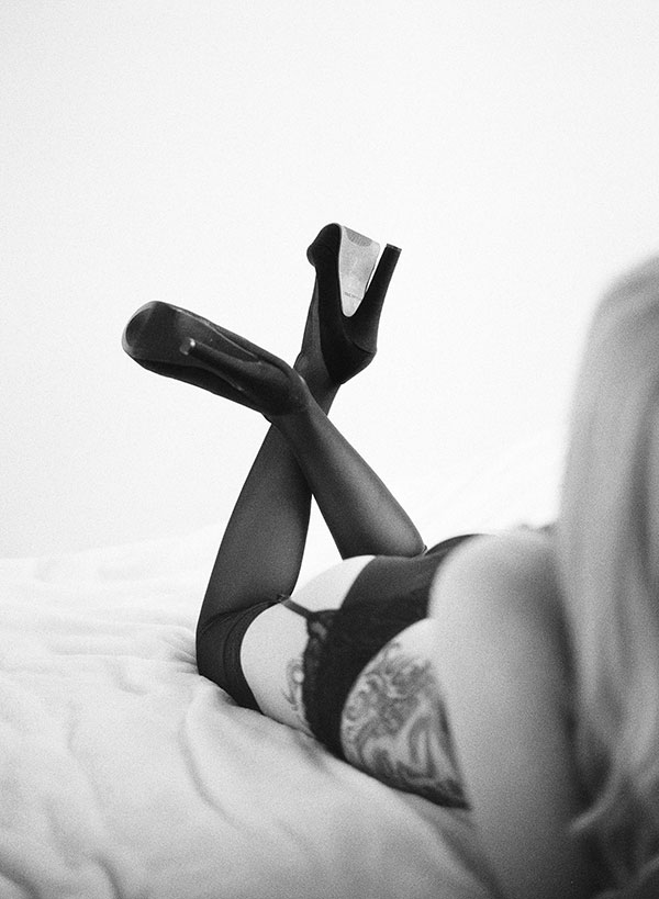 Stunning_Raw_Film_Fine_Art_Boudoir_Session_Ken_Tan_Photo (17)