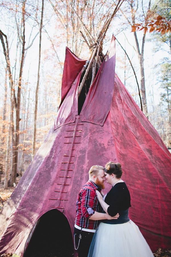 Rustic Outdoor Offbeat Engagement Session The Last Unicorn Chapel Hill North Carolina Blest Photography (13)