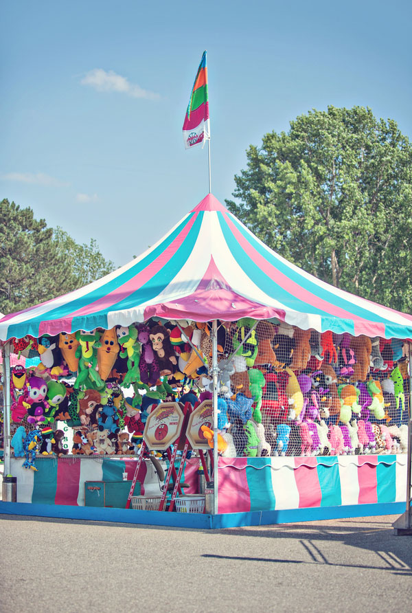 Vintage Carnival Engagement Photos Leah Moss Photography (16)