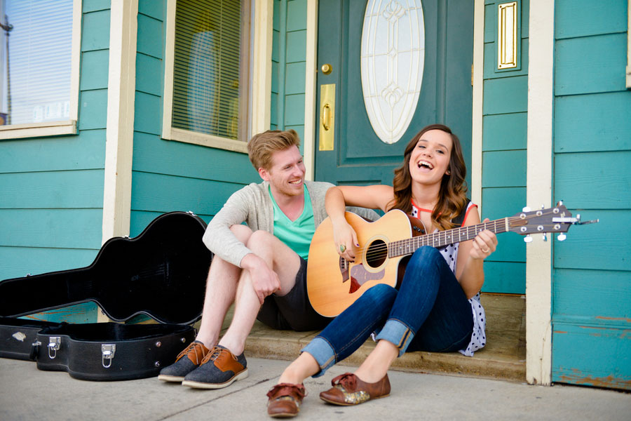 Coffee House Street Musician Engagement Session Elevate Photography (15)
