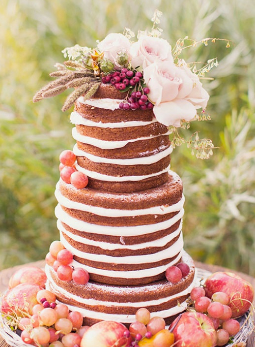 Fall Naked Cake With Apples and Blooms