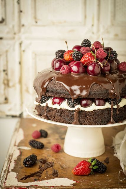 Naked Guinness Chocolate Cake via Little Box Brownie