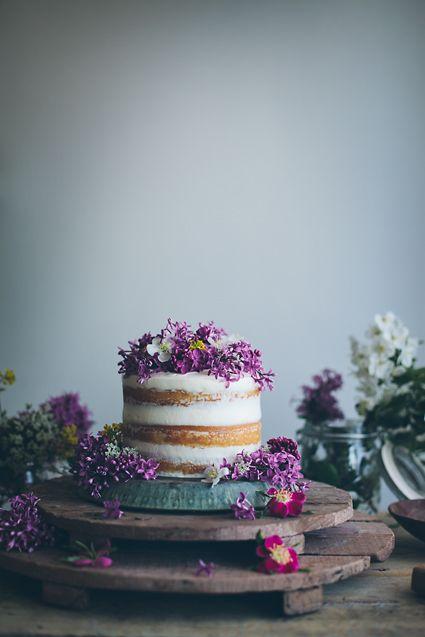 Petite Naked Cake Vanilla & Lilac Flowers
