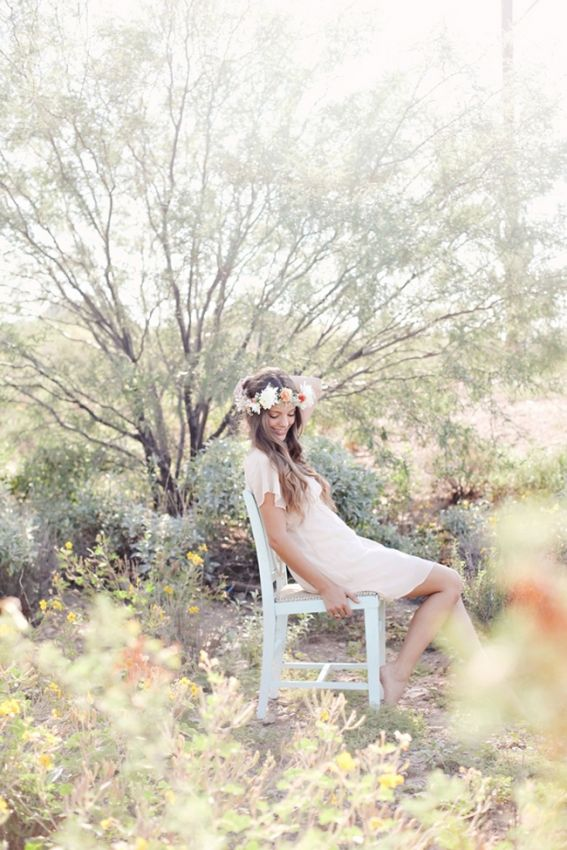 Pale Floral Crown Lexi Moody Photography via Rubies and Ribbon 1