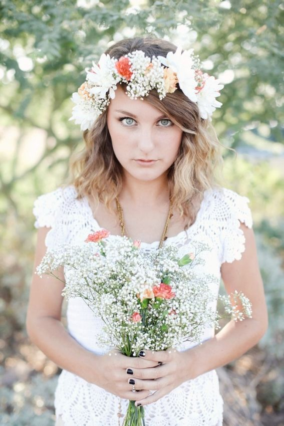 Pale Floral Crown Lexi Moody Photography via Rubies and Ribbon