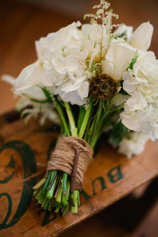 Rustic Winter White Flowers Sophie Asselin Photographe (1)
